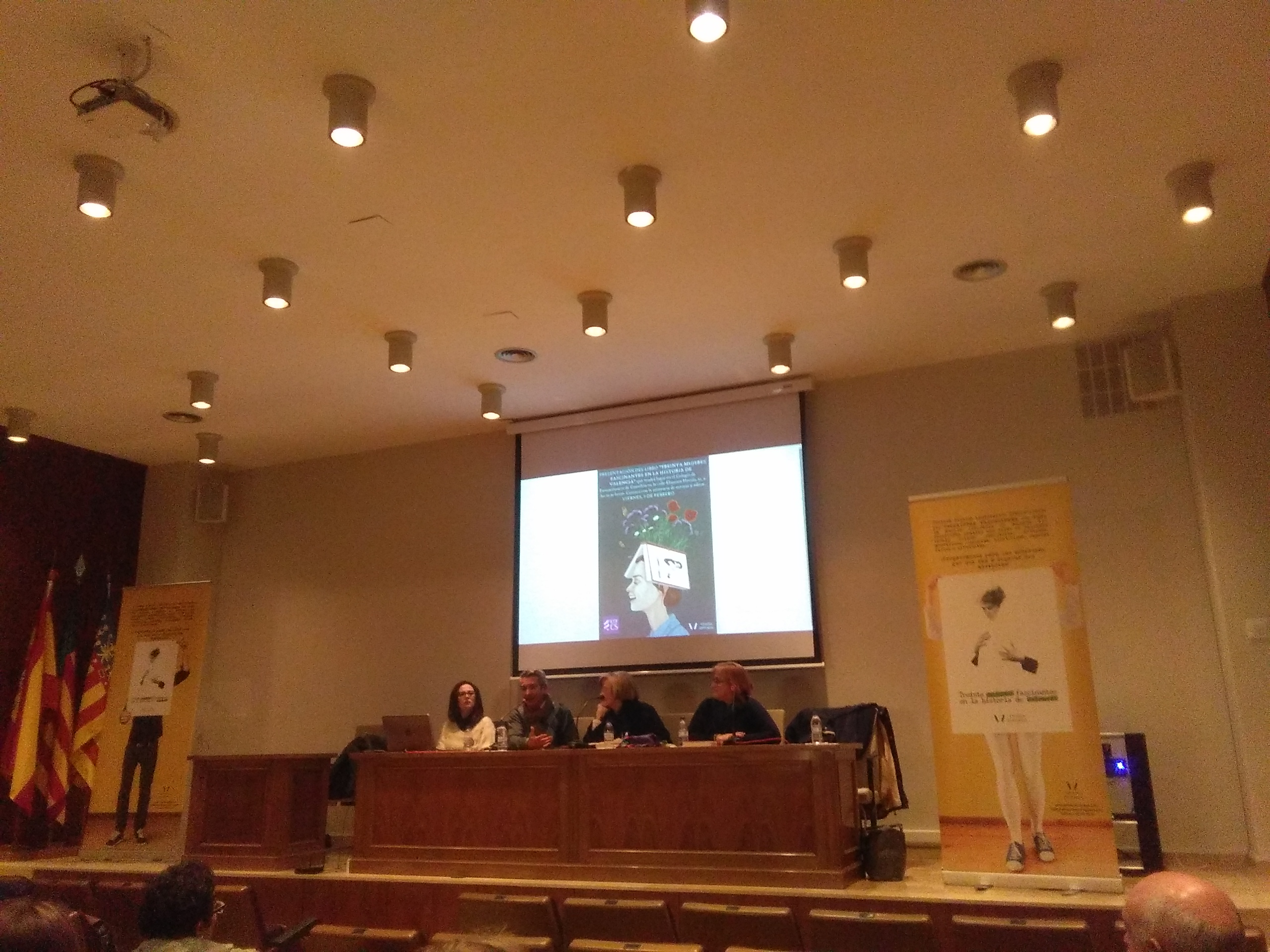 PRESENTACIÓN LIBRO EN EL COLEGIO DE FARMACÉUTICOS DE CASTELLÓN (COFCS)